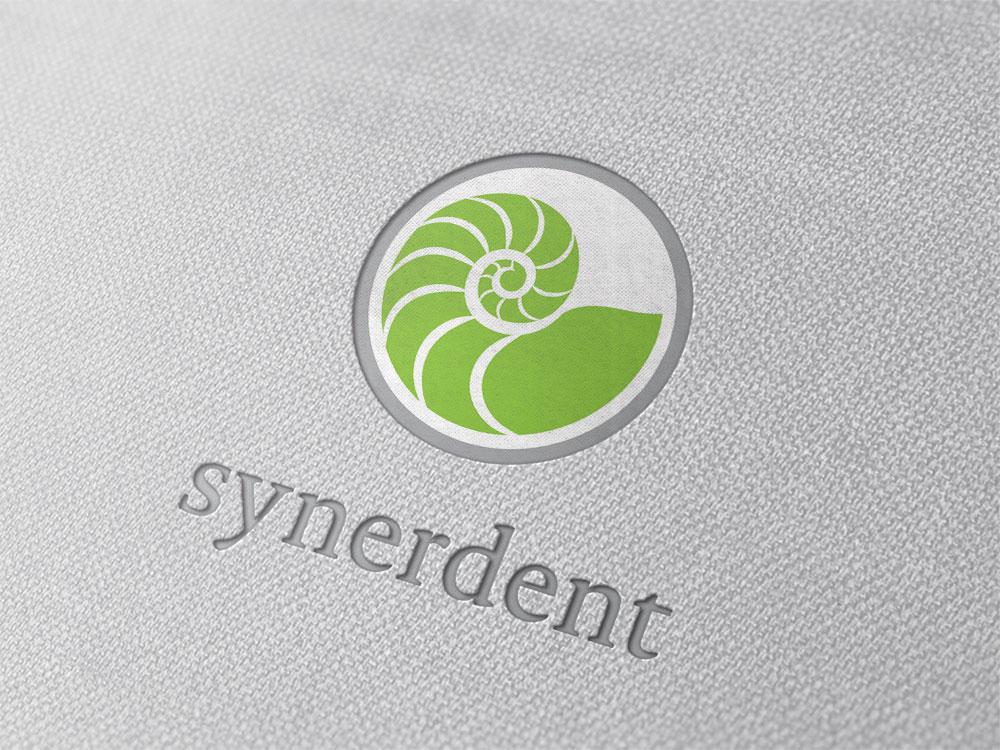professionelles logo design fuer zahnaerzte am beispiel synerdent bruchsal